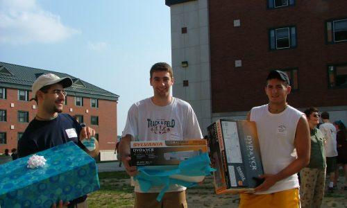 VCR Winners at Honors Move-In 2004